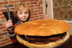 เชฟผู้ดีให้เงินหมื่น ท้ากินแฮมเบอร์เกอร์ยักษ์ !!