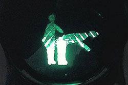 ตร.ฮอลแลนด์มีอึ้ง! มือดีเปลี่ยนไฟเขียวจราจรเป็นท่าทำรัก