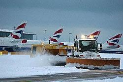 พายุหิมะถล่มลอนดอน สั่งยกเลิกเที่ยวบิน