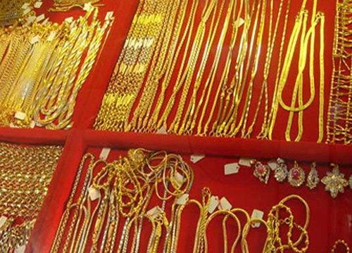 คนอุดรฯแห่ซื้อทองคึกหลังราคาลดฮวบ