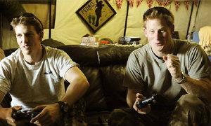 """""""เจ้าชายแฮร์รี่""""อ่วมถูกรุมต่อว่า หลังบอก""""รบในอัฟกาฯเหมือนเล่นเกมส์"""