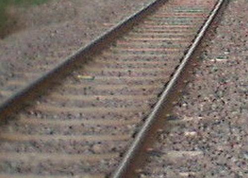 จนท.ซ่อมรางรถไฟชะอำเสร็จแล้วเปิดวิ่งปกติ