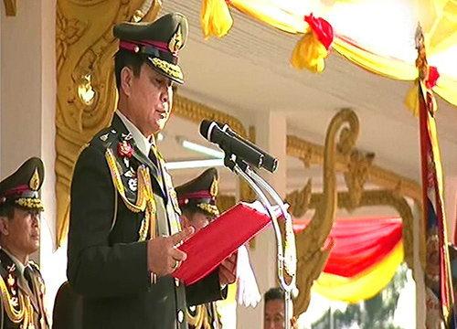 ผบ.ทบ.นำทหารสวนสนามถวายสัตย์วันกองทัพไทย