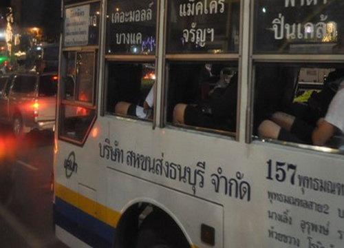 รถเมล์157ชนจยย.เสียชีวิตคาที่2ศพ-จราจรหนึบ