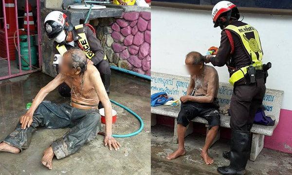 น่ายกย่อง! ตำรวจจิตใจงาม อาบน้ำให้คนเร่ร่อนสติไม่ดี