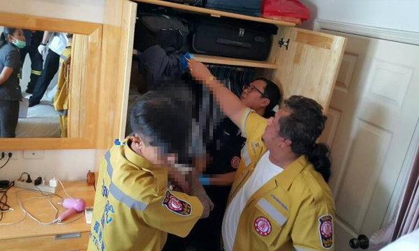 ดับพึลึก! หนุ่มใหญ่ชาวญี่ปุ่นผูกคอตายในตู้เสื้อผ้าคอนโด