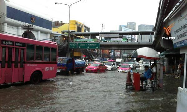 ฝนถล่มกรุงเทพฯ 2 ชม. น้ำท่วมขังหลายพื้นที่
