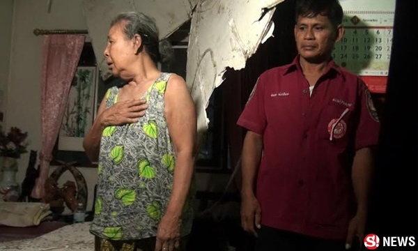 ยายวัย 76 รอดหวุดหวิด ฝ้าเพดานบ้านหรูถล่มใส่