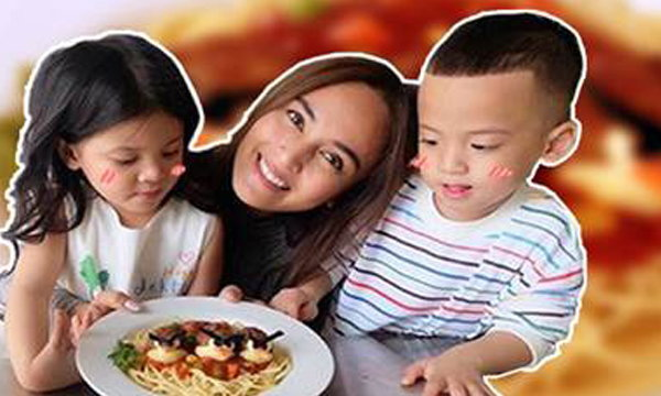 นานา ไรบีนา คุณแม่สุดคิ้วท์ เข้าครัวครีเอทเมนูสุดพิเศษให้ลูกไม่กินข้าวกินง่าย!!
