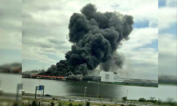ญี่ปุ่นระทึกซ้ำ! ไฟไหม้โรงงานเหล็ก ใกล้สนามบินฮาเนดะ