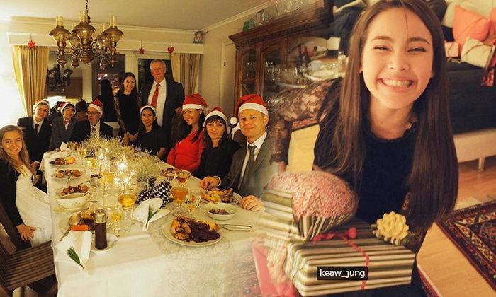 ญาญ่า ฉลองคริสต์มาสที่นอร์เวย์ ยิ้มหวานได้ของขวัญจาก ณเดชน์