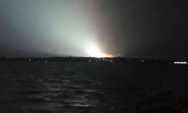 เมืองชลฮือฮาแสงประหลาด ที่แท้หม้อแปลงไฟฟ้าระเบิด
