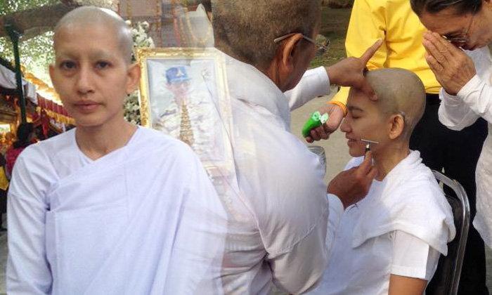 อ้อม สุนิสา ลาบวชชีครั้ง 3 ใต้ต้นโพธิ์พุทธคยา อินเดีย