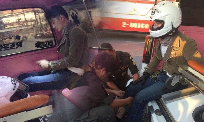 เป้ อารักษ์ ขี่บิ๊กไบค์เฉี่ยวรถบัส ถ.เพชรบุรีตัดใหม่ บาดเจ็บเล็กน้อย