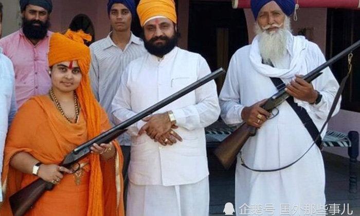 สลด ชายอินเดียยิงปืนขึ้นฟ้าฉลองงานแต่งลูกสาว พลาดทำเพื่อนบ้านดับ