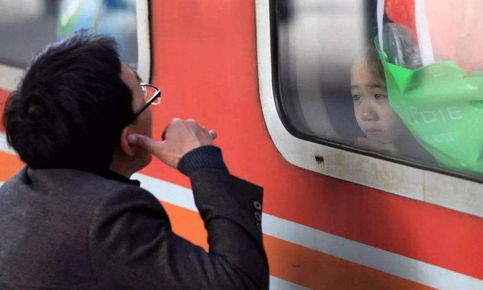 เผยภาพน่าประทับใจ การเดินทางเพื่อพบและจากของชาวจีนช่วงปีใหม่