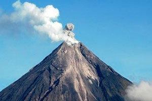 ภูเขาไฟในฟิลิปปินส์พ่นเศษเถ้าถ่าน หวั่นระเบิด