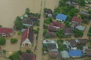 จัดหน่วยแพทย์เคลื่อนที่ช่วยผู้ประสบภัยน้ำท่วมใต้