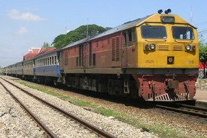 เด็ก 12 ปีคึกคะนองปาถุงน้ำใส่ตู้โดยสารรถไฟ