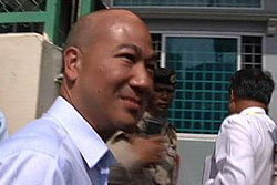 พนิช นำ5คนไทยกลับถึงสนามบินสุวรรณภูมิแล้ว