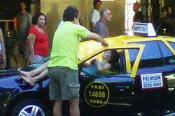 ร่วง 23 ชั้นตกใส่แท็กซี่ สาวใหญ่รอดปาฏิหารย์!
