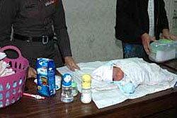 แม่ใจยักษ์! ทิ้งทารก3วัน ที่ถังขยะหมอชิต