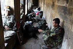APรายงานอ้างเขมรใช้พระวิหารฐานโจมตีไทย