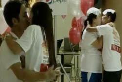 วาเลนไทน์ไทย! จูบทุบสถิติโลก