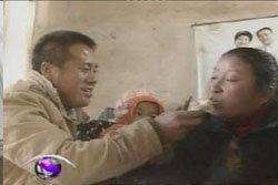 หนุ่มจีนร้องเพลงกล่อมภรรยาที่เป็นเจ้าหญิงนิทราจนฟื้น