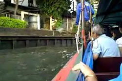 สลด!กระเป๋าเรือคลองแสนแสบพลัดตกเรือดับ