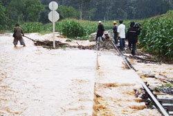 ระบบคมนาคมภาคใต้ ปั่นป่วนหลังภัยน้ำท่วม