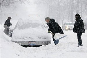 พายุหิมะกระหน่ำภาคกลางสหรัฐ เสียชีวิตแล้วกว่า 20 คน