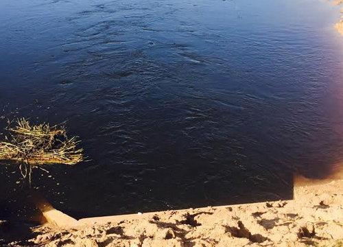 ปราจีนบุรีน้ำเน่าเสียในพื้นที่นาข้าว-แหล่งน้ำ