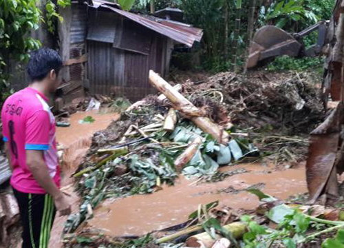 ฝนตกหนักทำน้ำท่วม-ดินสไลด์ใน อ.ธารโต จ.ยะลา