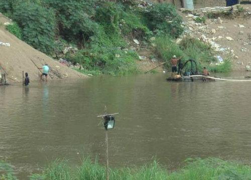 คนลอบทิ้งปฏิกูลลงแม่น้ำเมยกปภ.ลดกำลังผลิต50%