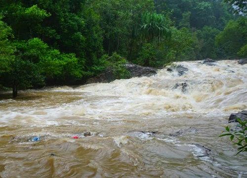 พัทลุงฝนตกหนักมวลน้ำป่าไหลหลาก-จนท.สั่งเฝ้าระวัง