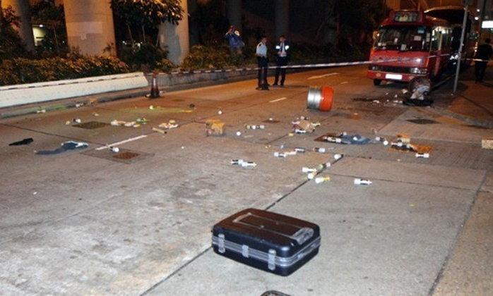 คู่รักทะเลาะกันกลางถนน รุนแรงจนคิดว่าเกิดเหตุยกพวกตีกัน