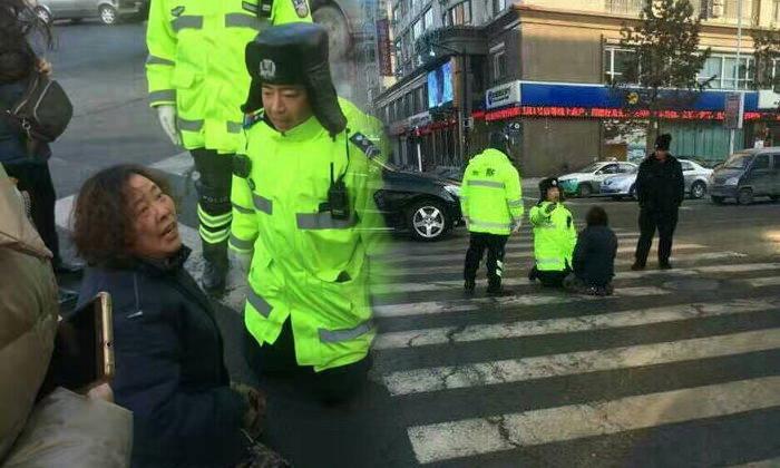 ใบขับขี่เป็นเหตุ หญิงกับตำรวจคุกเข่ากลางถนน ไม่มีใครยอมใคร