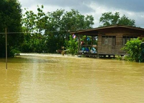 หลายหมู่บ้านในจ.พัทลุงยังท่วมบางส่วนเริ่มเครียด