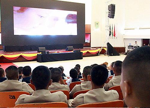 ปชช.ร่วมแสดงความอาลัยในหลวง ร.9