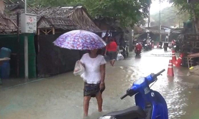 น้ำท่วมหนักที่ราบลุ่มต่ำเกาะหลีเป๊ะ กระทบกว่า 1,200 คน