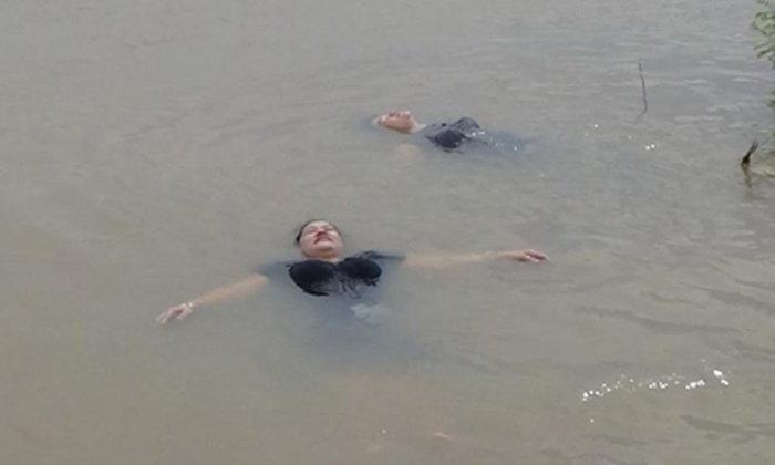 2 สาวใหญ่อ่างทองลอยตัวในน้ำได้อย่างน่าอัศจรรย์