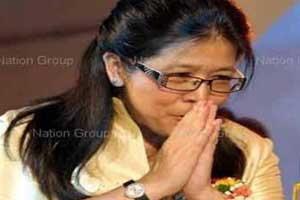 สุดารัตน์ ชี้ไร้สาระนำทัพเข้าภูมิใจไทย