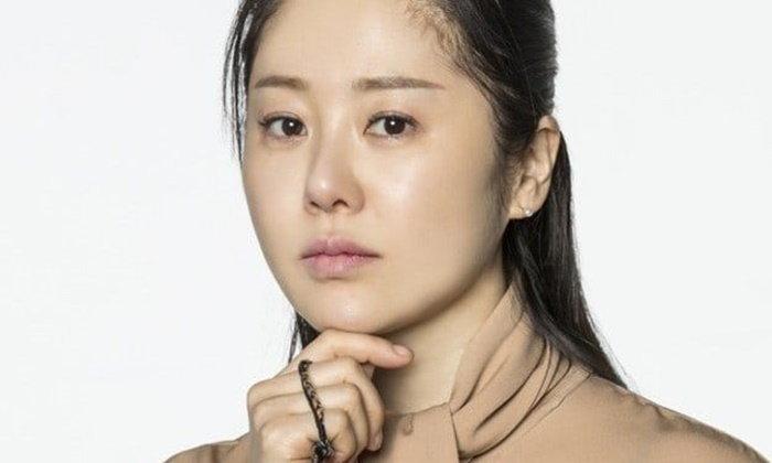 """ฉาวสนั่นจอ """"โกฮยอนจอง"""" ทะเลาะตบตีผู้กำกับ ถอนตัวละครกลางคัน"""