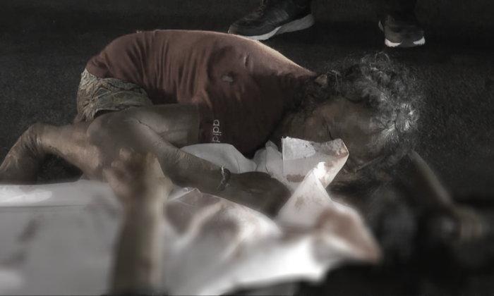 เจ้าของอู่ขับเก๋งลูกค้าไปกินหมูจุ่ม ชนคนตายแล้วหนี หญิงเร่ร่อนกอดศพแฟนร่ำไห้
