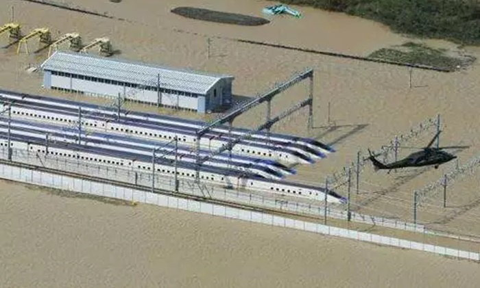 ญี่ปุ่นจำใจสละเงิน 3 พันล้าน ทิ้งรถไฟชินคันเซ็น จมน้ำพายุฮากิบิส 10 ขบวน