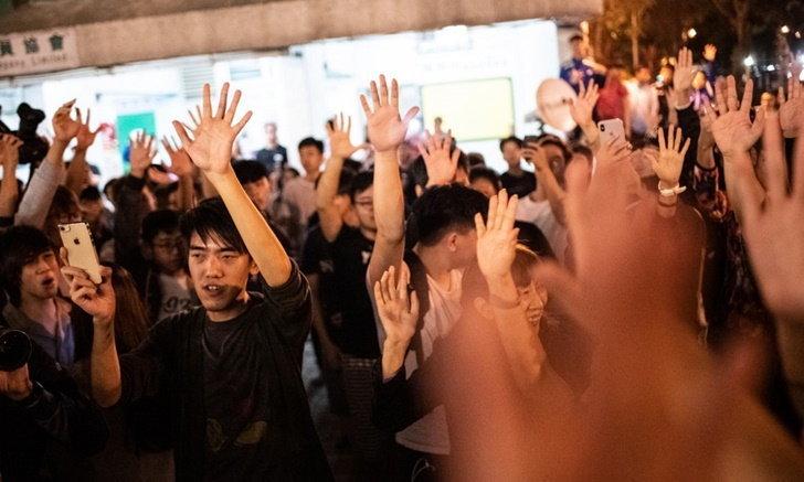 ผลเลือกตั้งฮ่องกง ฝ่ายหนุนประชาธิปไตย คว้าชัยได้คะแนนขาดลอย