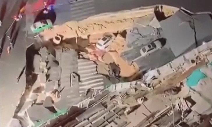 เปิดคลิปนาทีระทึก ถนนในจีนยุบตัวเป็นหลุมยักษ์ รถยนต์ร่วง 3 คัน