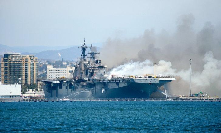 เสียงระเบิดตู้ม เรือกองทัพสหรัฐฯ ไฟลุกท่วมที่ซานดิเอโก บาดเจ็บ 21 ราย