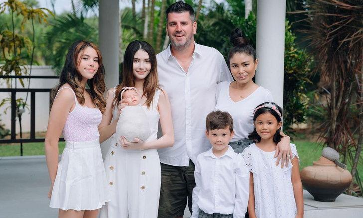 """กำลังใจล้นให้คุณแม่ลูกสอง """"ซาร่า คาซิงกินี"""" กับภาพครอบครัวที่แสนอบอุ่น"""